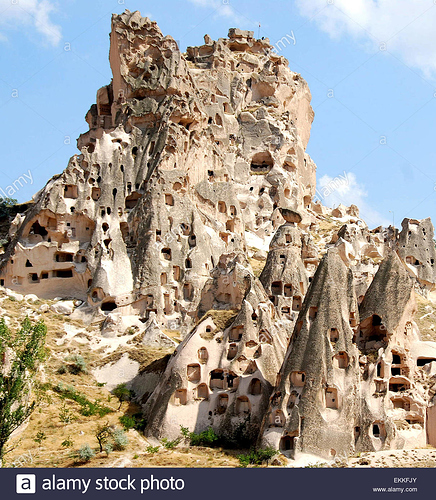 cappadocia-cave-houses-central-turkey-EKKFJY